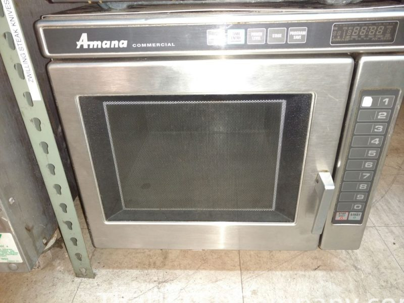 Used Amana RC22S2 Commercial Microwave Oven