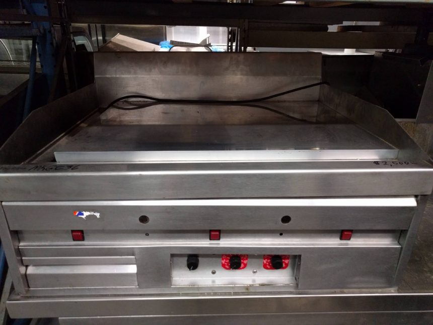 front view Used MagiKitchen MKGC-36 Natural Gas Countertop Griddle