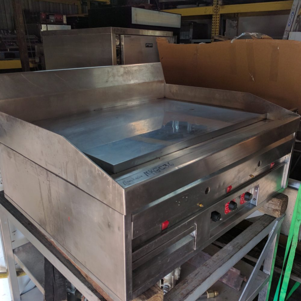 full view Used MagiKitchn MKGC-36 Griddle